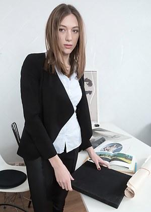 Secretary Porn Pictures